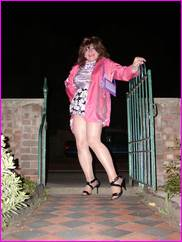 [Click NOW for your MEGA Photo of your favourite TV Web-Mistress -  Miss Denise Hewiit!..]